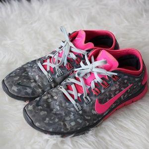 Women's Nike Free TR Connect 2 Training Shoe - 7.5